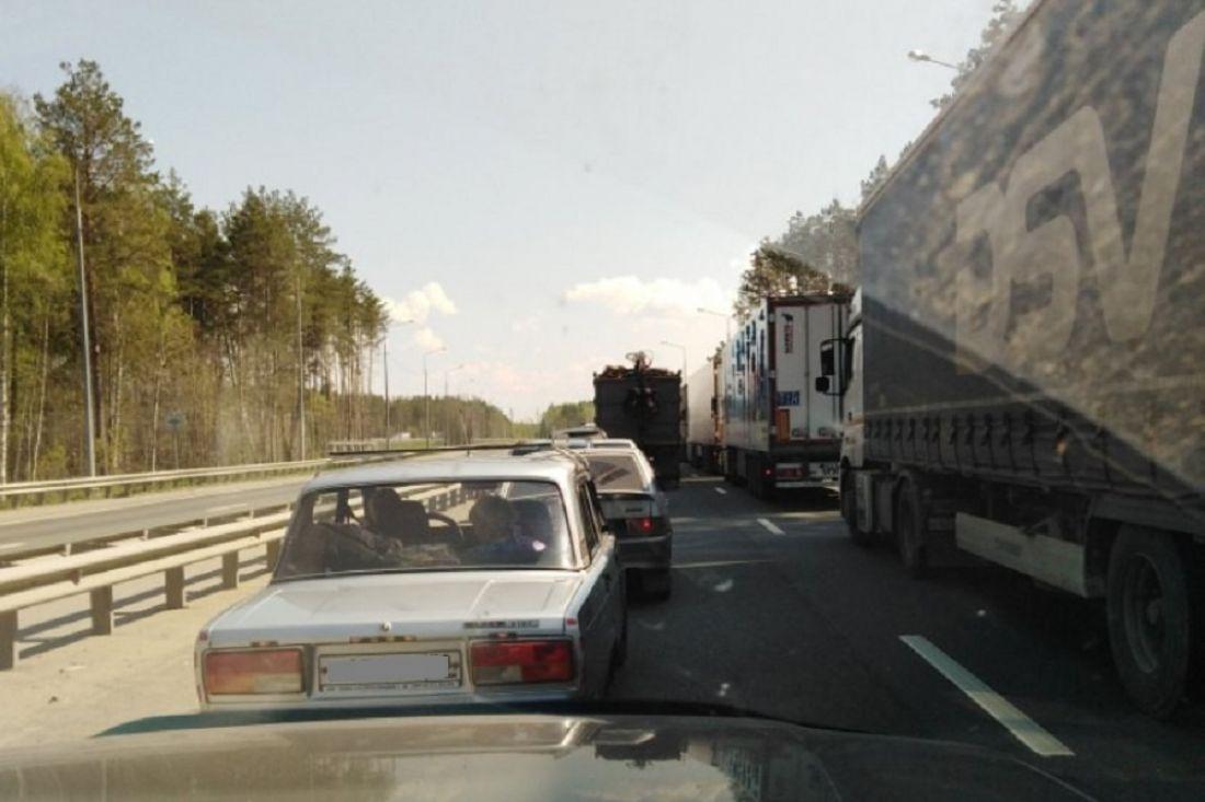 Водители жалуются на многочасовое стояние в пробке в Пензенской области